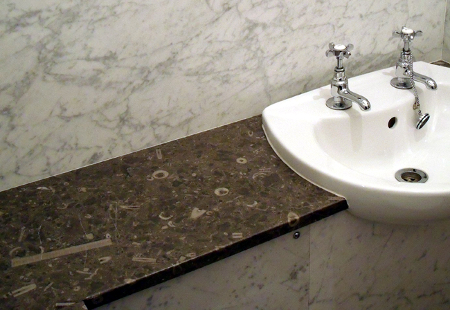 Mandale and Carrar Marble Bathroom